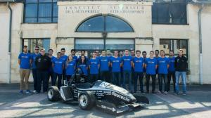 ISAT FORMULA TEAM PHOTO DE GROUPE